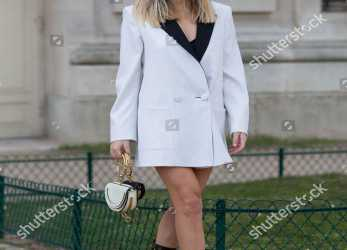 Oben Stock Photo Of Street Style, Fall Winter 2018, Paris Fashion Week, France, Xenia, Der Woodsen Lebenslauf